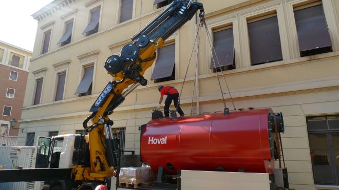 Hoval ha infatti fornito per la centrale termica dello Stato della Città del Vaticano 3 generatori di tecnologia industriale Hoval THD 3RR a 3 giri di fumo